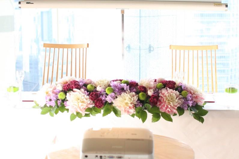 メインテーブル装花 (ピンクパープル)