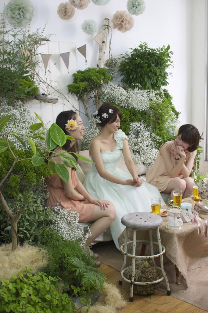 お花に囲まれた劇的フォトウエディング