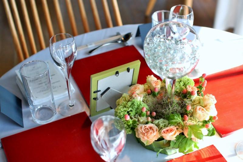 クリスタルイルージョン(ゲストテーブル)にあしらった装花