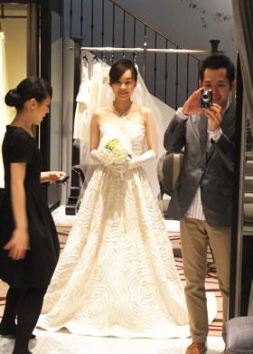 ドレス試着時の写真